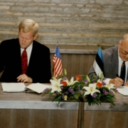 ELNET ja Innovative Interfaces allkirjastavad lepingu